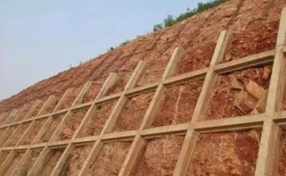 抗滑桩及桩间挡板施工方案